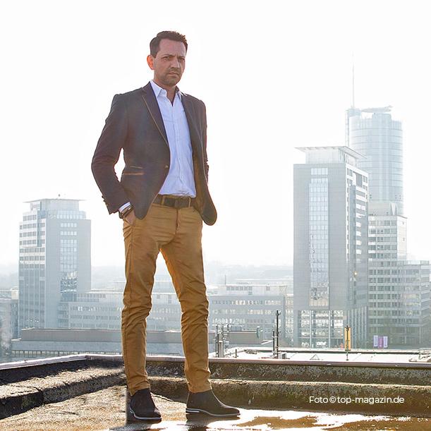 Peter Schepanek ist der Chef der Imocare Immobilienservice GmbH. Von Essen aus ist er als Generalunternehmer in ganz NRW aktiv.